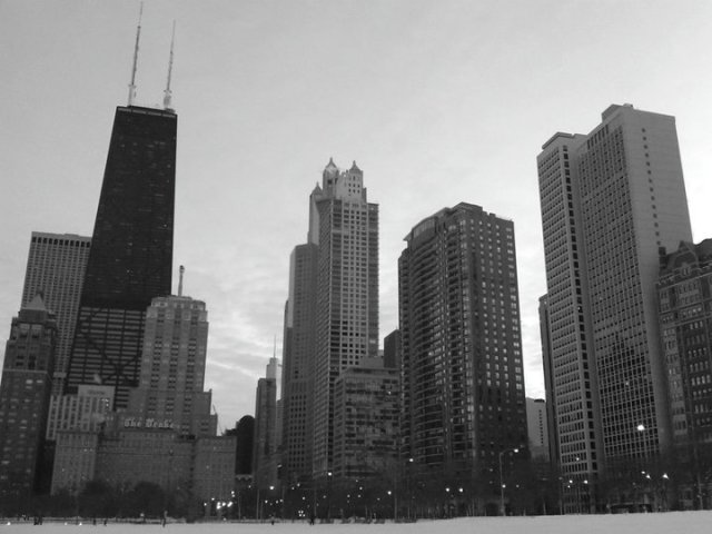 chicago skyline snowpocalypse