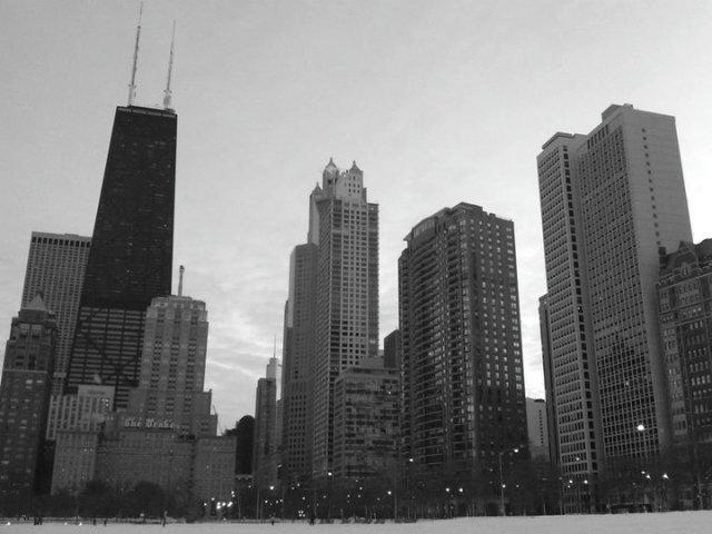 chicago skyline snowpocalypse